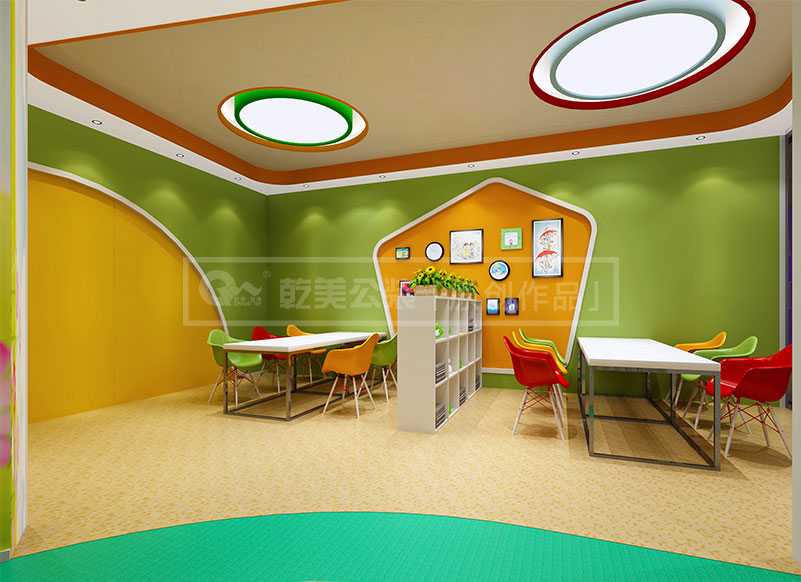 在幼儿园装修中最重要的就是要环保,所用到的材料不能对小孩子的身体有所危害。这是所有昆明装修公司都必需要重视的问题。 本案中乾美公装设计师是在安全环保的前提之下,进行对整个空间的合理性布局,墙面色彩新艳,有助于小孩子对事物产生好奇心理。 幼儿园内地面采取了防滑措施,在有棱角的地方也进行了处理,防止孩子在玩的过程中刮伤。